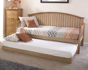 Madrid Day Bed And Trundle - Natural Oak